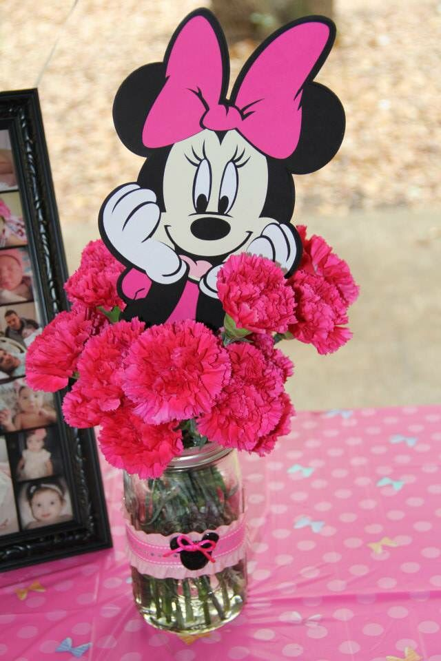 Minnie Mouse flower birthday centerpiece
