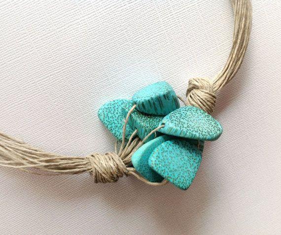 Collana lino naturale turchese perline di legno grandi Cluster, rustico gioielli Beach Estate primavera gioielli, fatti a mano Eco Friendly collana on Etsy, 19,13€