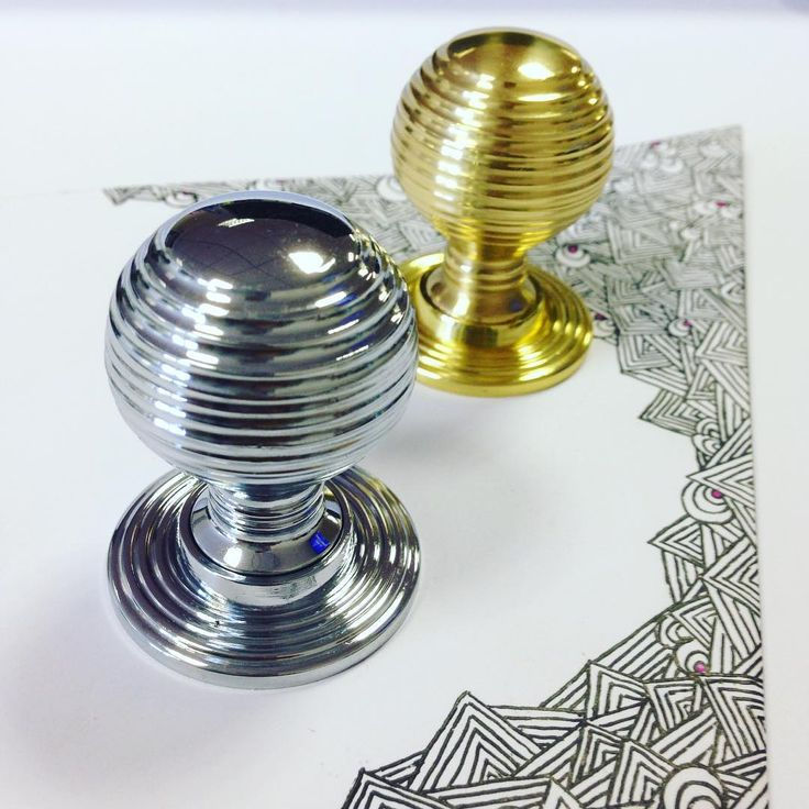 M1005CP & M1005 #LocksandHardware #CarlisleBrass #Living #HomeDecor #CabinetKnobs #DreamKitchen #kitchendesign