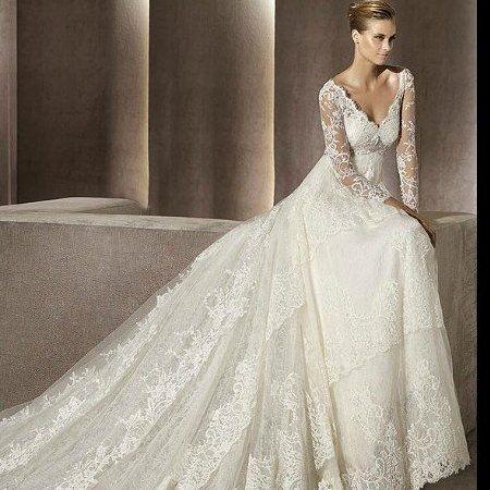 Ищете лучшее свадебное платье. Предлагаем посмотреть самые красивые свадебные платья 2015. Смотрите фото свадебных платьев и выбирайте красивое свадебное платье для своего незабываемого дня.