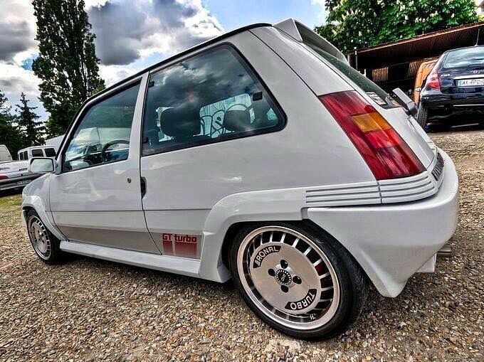 the 25 best ideas about renault 5 gt turbo on pinterest. Black Bedroom Furniture Sets. Home Design Ideas