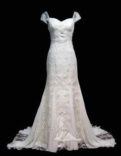 I am Loving this Dress. Pretty, Pretty,Pretty! ( The Front)