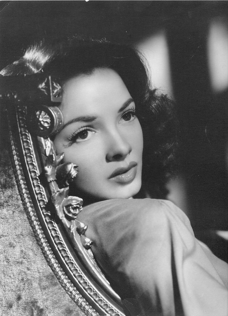 Kathryn Grayson by Clarence Sinclair Bull.