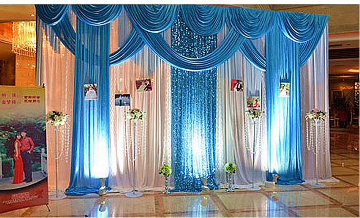 Cortinas azules con blanco buscar con google for Decoracion y ambientacion de eventos