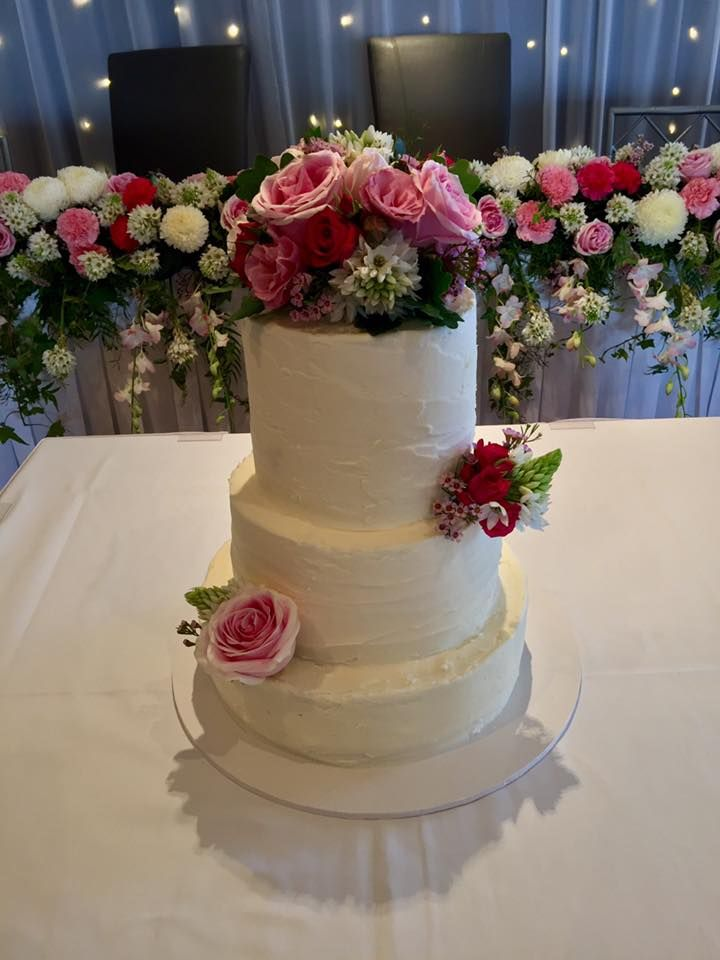 cake florals  created by Lovely Bridal Blooms