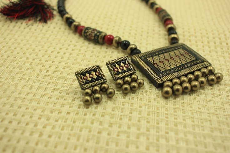 Traditional dazzling terracotta jewellery set