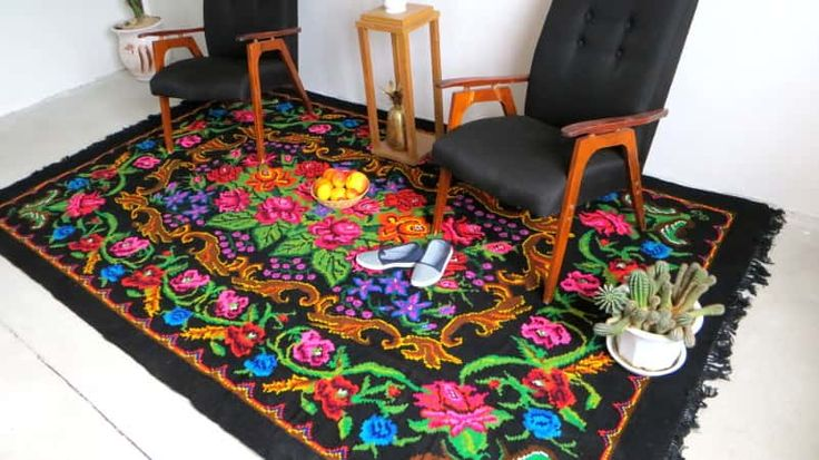 best 25 tapis multicolore ideas on pinterest pompom rug tapis but and tapis chambre b b fille. Black Bedroom Furniture Sets. Home Design Ideas