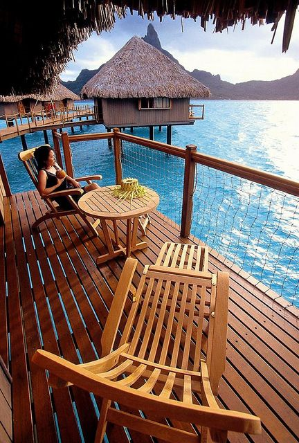 visitheworld:  Relaxing day at Le Meridien Resort in Bora Bora, French Polynesia (by LeMeridien Hotels and Resorts).