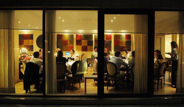 Chefs para jantares românticos no Dia dos Namorados. #casamento #noivos #jantar #DiadosNamorados #restaurante #Porto #Mesa #chef #LuísAmérico