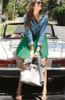 定番、だけど旬♪夏まで着まわす「デニムシャツ」のコーディネート - NAVER まとめ