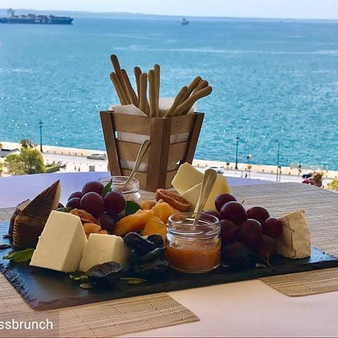 Beat that!@thessbrunch at its finest  with the support and love of @electrahotels !! #brunchtime #greekbrunch #thessaloniki #summerinthecity #electrapalace #electrahotels #thessbrunch #buzzfeedfood #photooftheday #lovebrunch #yahoofood #foodie