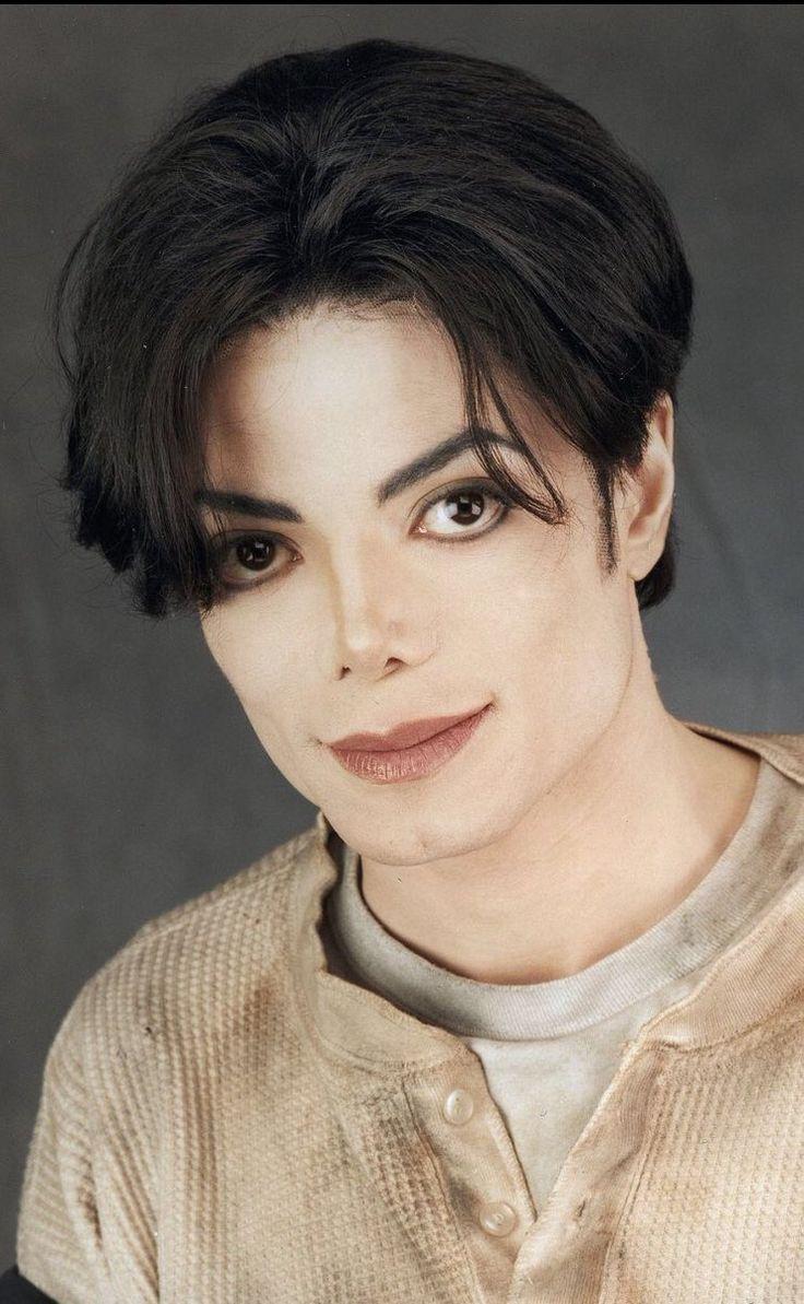 """anneke-treasure: """"Mil besos de amor para el Rey de mi corazón! Te amo, Michael querido! """""""