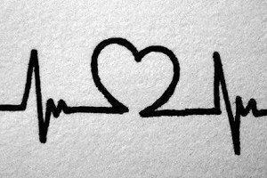 Estudos dão a entender que quem está apaixonado fica com a batida de coração na mesma velocidade que os parceiros, mantendo o mesmo ritmo. Quanto amor, não é mesmo?