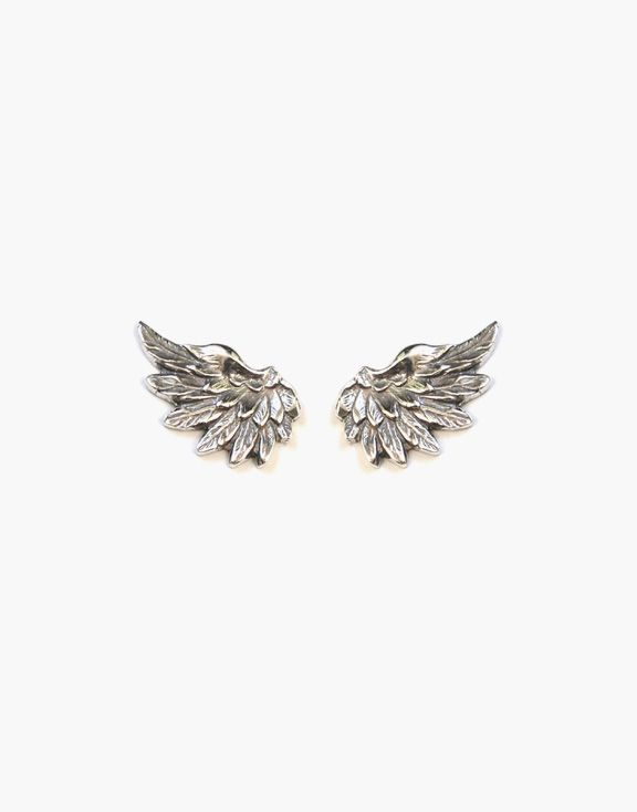 Boucles d'oreilles ailes en argent Atelier L.A.F 65.00 $  Prenez votre envol avec ces boucles d'oreilles en argent sterling en forme d'ailes, parfaites pour s'agencer à tous vos looks.  Dimensions: 10mm x 16mm    Les bijoux sont conçus et créés à Montréal, Canada.