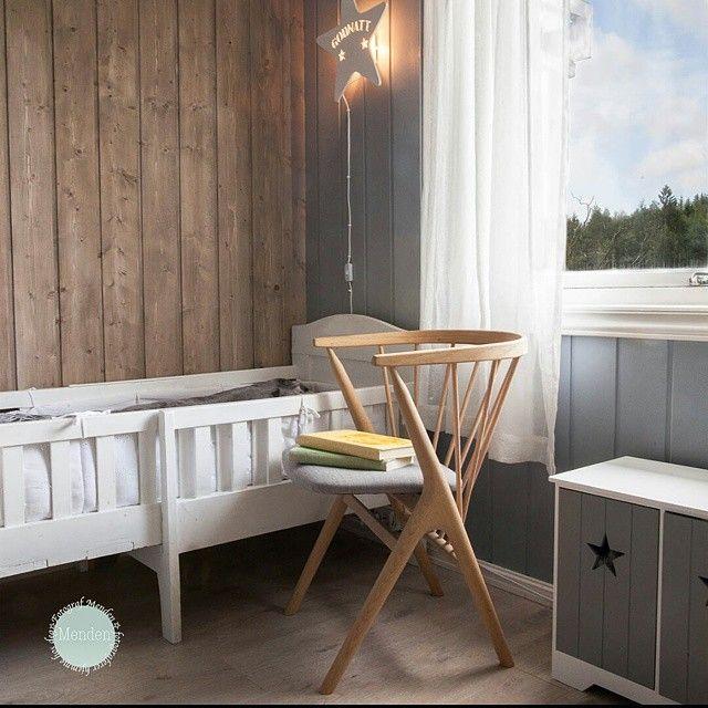 Bilde fra vinneren av Sibast stolen. Plassert på barnerommet som lesestol. @sibastfurniture #sibastno8  #scandicool