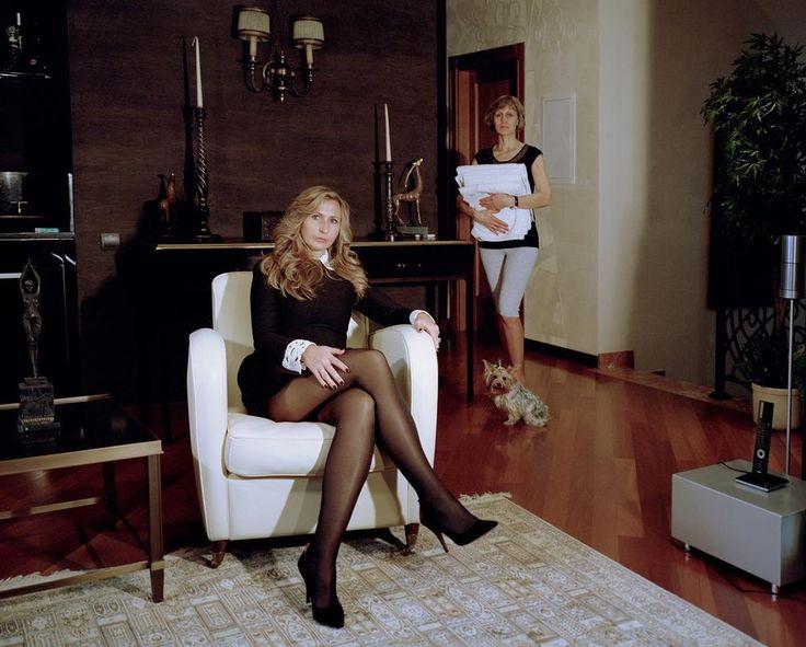 Foto's van afschuwelijk rijke Russen en hun dienstmeisjes