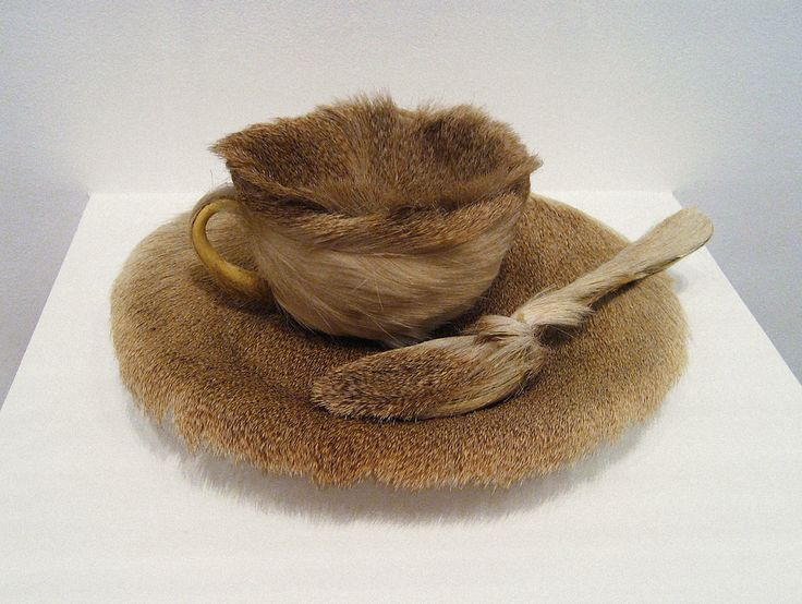 Meret Oppenheim - Breakfast in Fur (1936)