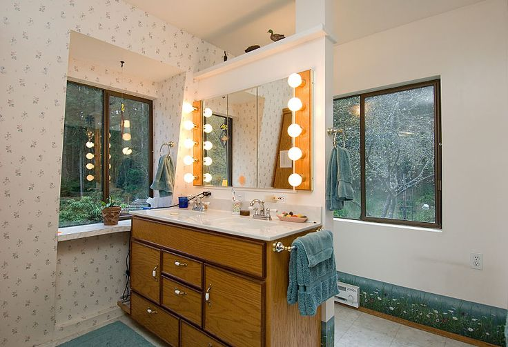 1224 Best Images About Vintage Bathrooms On Pinterest 1950s Bathroom Time Capsule And Cannon