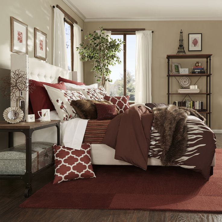 15 best images about red and beige bedroom on pinterest master bedrooms chloe and red bedrooms Master bedroom with red bedding
