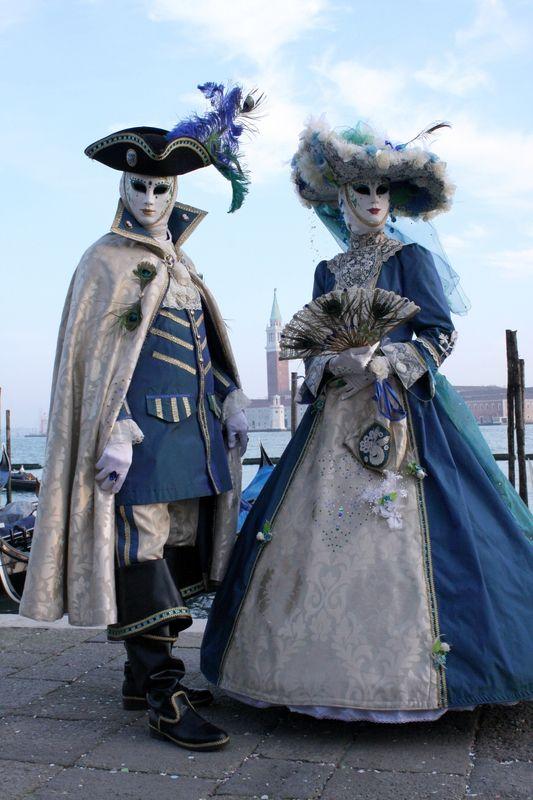 Venise, sous le soleil et sous les masques