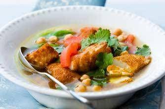 Kruidige lichtverteerbare soep met kikkererwten en kabeljauw.Naar aanleiding van een reactie; dit is een heldere soep, geen gebonden soep.