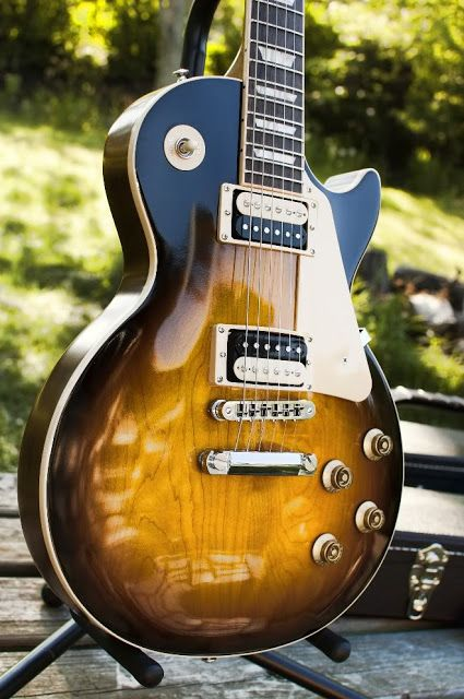 Gibson Les Paul - what a lovely finish on this one. Is this antique violin finish perhaps?