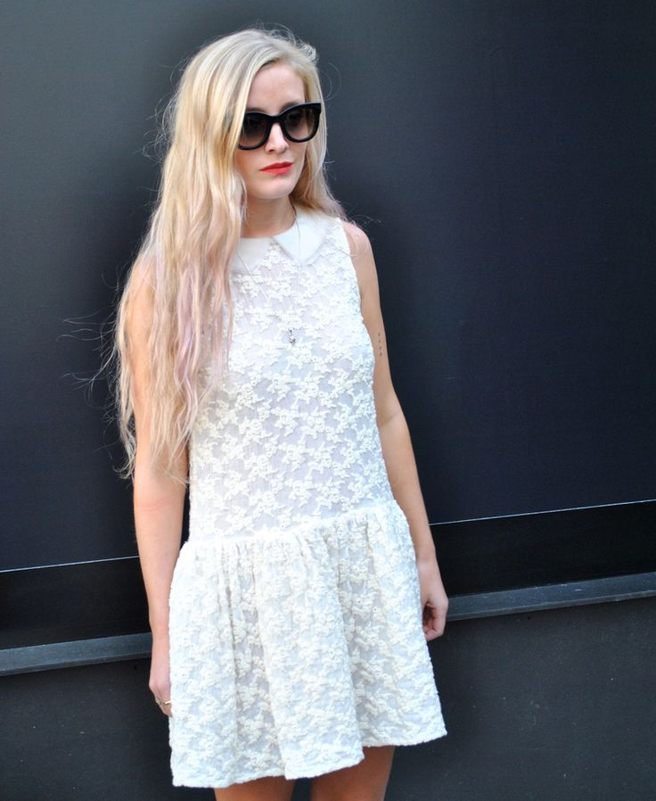 Kate Foley London fashion week buyer streetstyle lfw londonfw lace dress pink hair