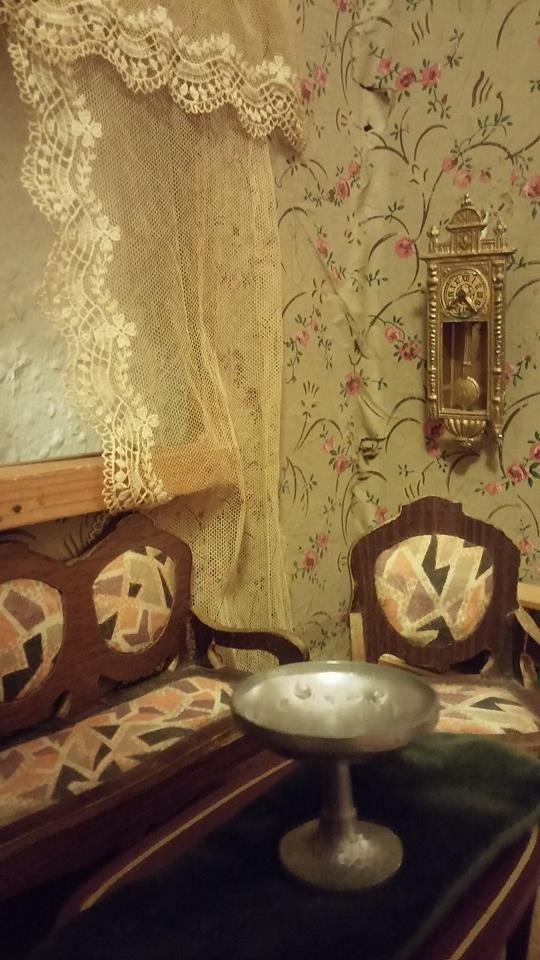 detail, livingroom with clock. Given to my Grandmother by my Great Grandmother at New Years Eve.