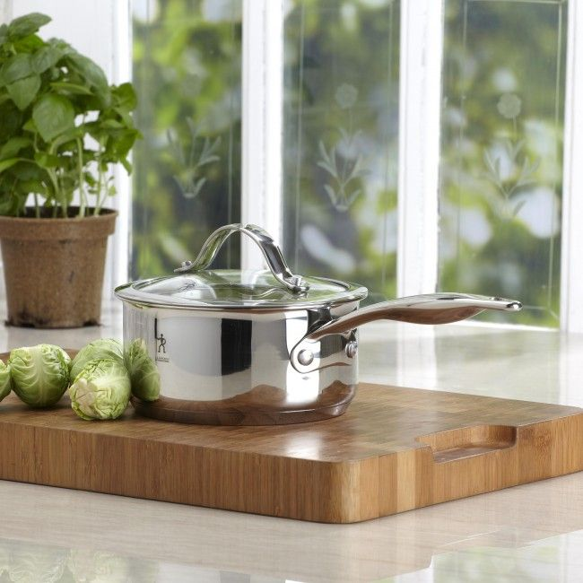 Featuring an encapsulated base for providing quick and even heat distribution on any cooking surface (including induction), stainless steel riveted handles for cool and comfortable control while cooking, 18/10 mirrored finish stainless steel.