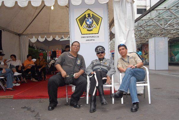 With the late bro Herman Sarens Soediro, Harley Davidson guru....