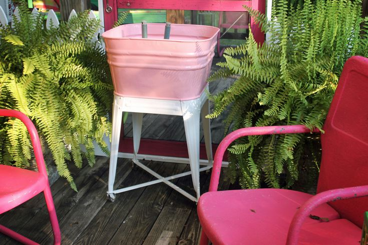 Super cute washtub potting tub/bench - you have to check out the ...