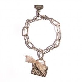 PULSERA Cadenas baño de plata con Bolsito Chanel y lazo de organza. La encontrarás en www.chirysplace.es