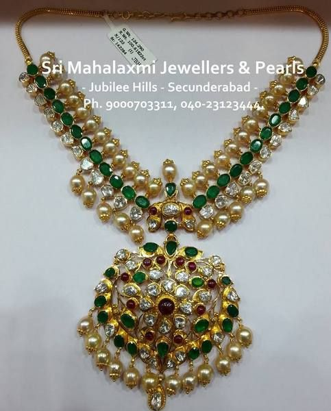 Jewellery Designs: 110 Grams Pachi Emerald Necklace