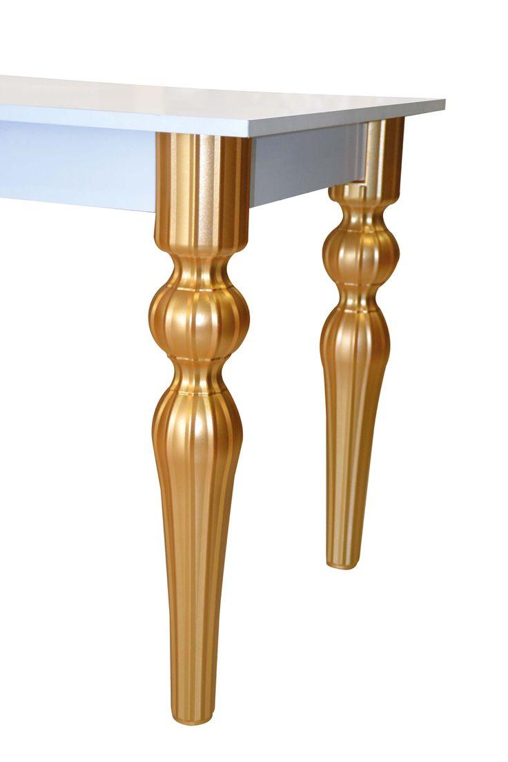 Beau Plastic Tables, Table Legs