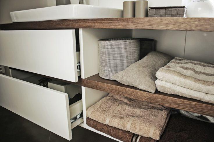 Máte predstavu ako má vyzerať vaša obývacia izba, detská izba, pracovňa či kancelária? Vyrobiť sektorový nábytok na mieru, ako pracovné stoly, komody, postel...