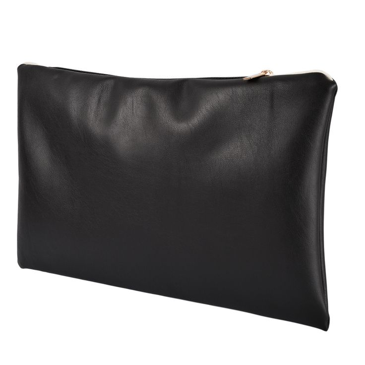 Pochette in ecopelle in colore nero di altissima qualità con chiusura, interamente prodotto a mano. Acquista online i prodotti di Land and Sea su STORE.GRIFFALIA.COM | #bag #pochette #Cotton #Leather #madeinitaly #style #griffalia #fashion #eccellenzeitaliane