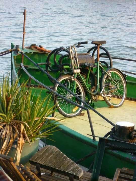 Bike on boat in Paris MM
