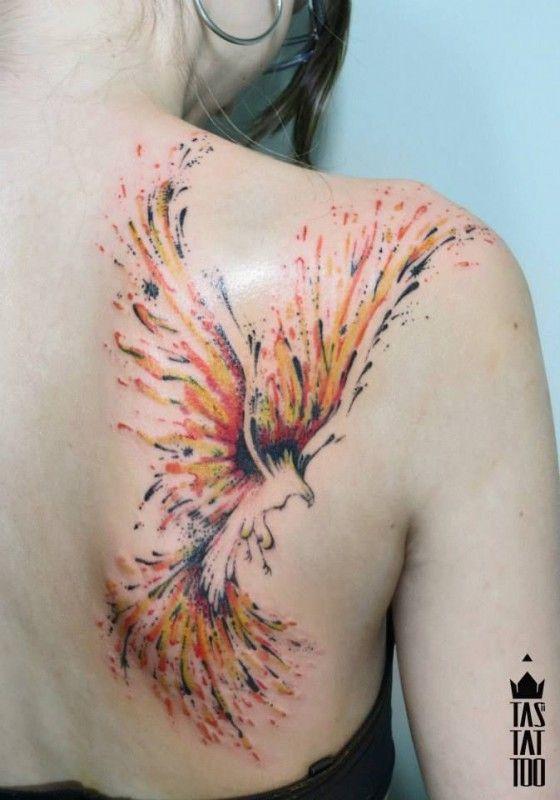 Tatuagem de Fênix Feminina - Aquarela nas Costas