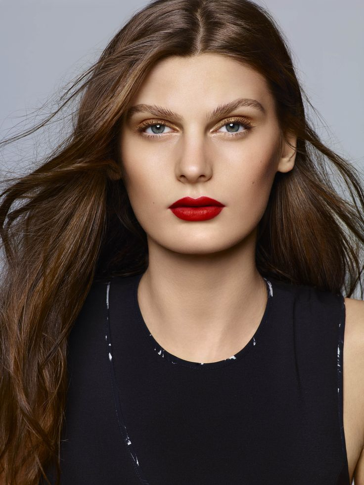 Let's twist again !  Red si on the lips with Phyto-Lip Twist Mat N°18 Tango.