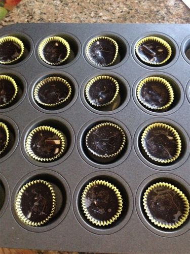 Almond Coconut Oil Chocolate Recipe (sub stevia for maple syrup and viola! Skinny Chocolate!)