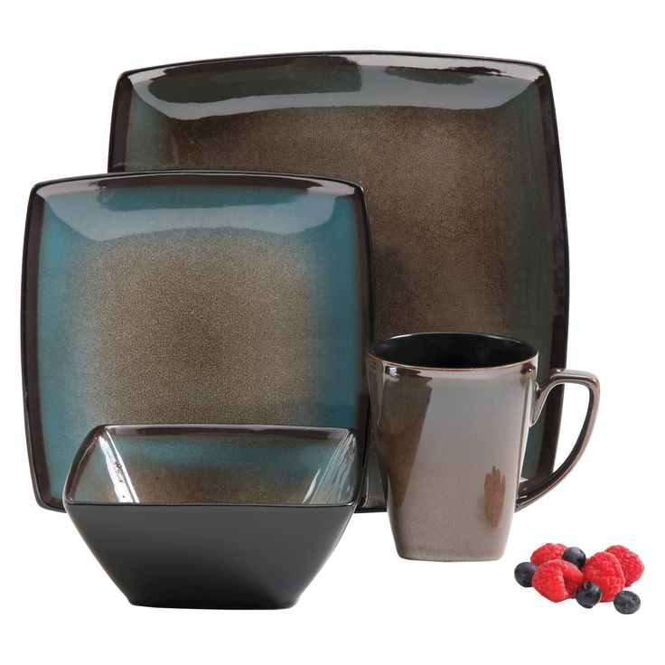 • Speckled blue & brown ombre design with glossy finish<br>• Hardwearing stoneware construction<br>• Dishwasher & microwave safe<br>• Great for everyday use<br>• 16-piece set includes: 4 dinner plates, 4 salad plates, 4 cereal bowls, 4 mugs<br><br>Bring allure to the dining table with the Gibson, Tequesta 16-Piece Dinnerware Set. Designed to keep up with your everyday, busy lifestyle, this set of plates a...