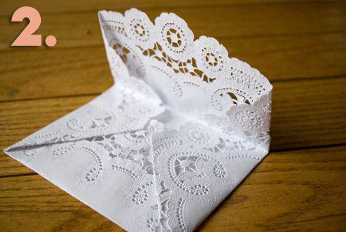a lace envelope. perfect for a tea invitation!Diy Ideas, Artsy Craftsy, Lace Envelopes, Parties Ideas, Fun Idease Crafts, Teas Invitations, Paper Crafts, Doilies Envelopes, Cards