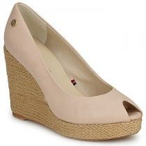 Tommy Hilfiger  EMERY 15B  women's Court Shoes in BEIGE was £115.00 now £86.25 from Spartoo.co.uk