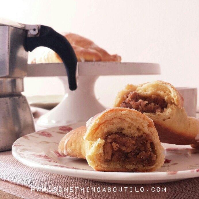 For a perfect breakfast ❤ http://somethingaboutilo.com/2015/02/cornetti-alla-nocciola-nussgipfel/