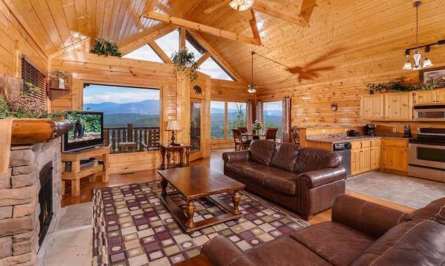 Pigeon Forge Cabins - Legacy Views & A Theater