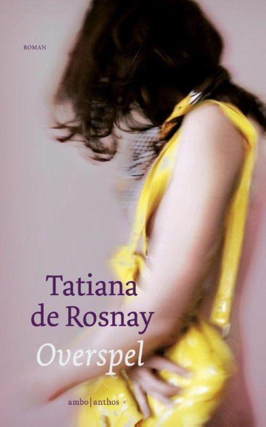Overspel - Tatiana De Rosnay Het boek Overspel vertelt het verhaal van Hélène, een vrouw met een overzichtelijk leven dat draait om haar man, haar kinderen en haar kleinkinderen. Ze is een voorbeeldige echtgenote, een perfecte vrouw, geen vrouw voor overspel. Tot ze op een zomerse dag in een impulsieve bui ingaat op de avances van een vreemdeling. Hélènes overspel eindigt echter in een nachtmerrie wanneer haar minnaar in bed een hartaanval krijgt en overlijdt.