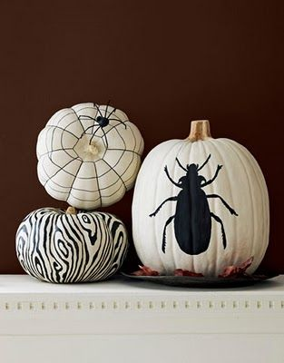 pumpkin decoration: Pumpkin Decoration, Idea, Black And White, Painted Pumpkin, Halloween Pumpkin, Paintings Pumpkin, White Pumpkins, Pumpkin Design, Spiders Web