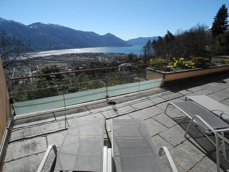 Der Lago Maggiore lädt zum entspannen ein. #Ferienwohnungen #Locarno