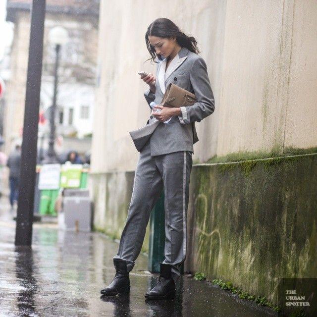 love that suit. #BrunaTenorio #offduty in Paris.