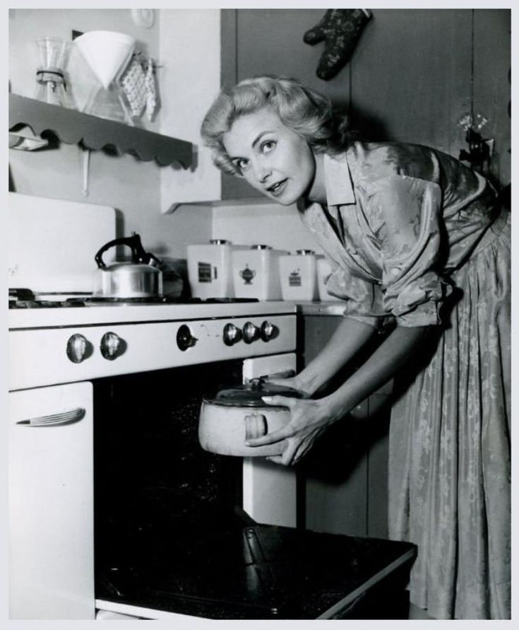 Retro Woman In Kitchen: RARE PIX VINTAGE ACTRESSES In 2019